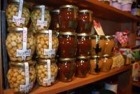 miele, nocciole, solo prodotti naturali...
